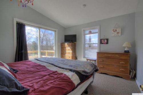 10 - Master Bedroom with Own Deck